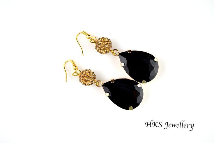 Black and golden rhinestone pendant earrings!!