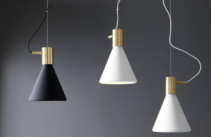 Pholc Agaton. En vacker och stilren taklampa med detaljer av oxid som ger ditt rum en exklusiv touch