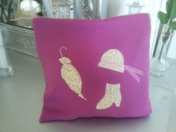 Pochette à lingerie en coton faite main : Textiles et tapis par casiopee