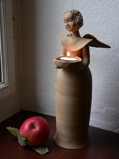 Anděl svícen 30cm-neglazovaný