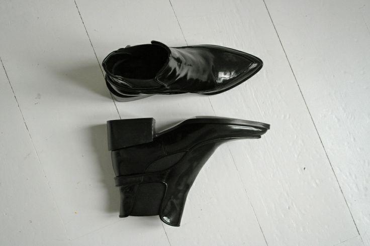 Pointy ankle boots _ http://lovissa.com