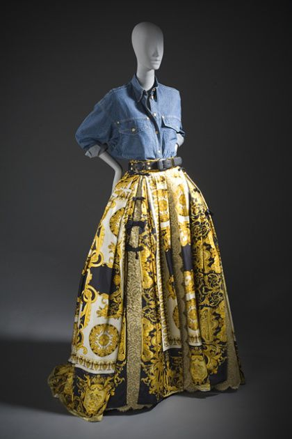 Ensemble Gianni Versace, 1991 The Los Angeles County Museum of...