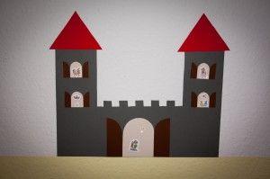 Eine tolle #Bastelvorlage für eine Ritterburg oder ein Prinzessinnenschloss, je nachdem, welche Farben ihr verwendet.