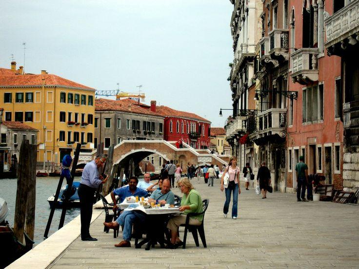 Рассказывает турист: Самостоятельное путешествие по Европе. Как попасть из Хорватии в Венецию / Если вы метаете о пляжном, семейном отдыхе со своей семьей, не обязательно лететь в Турцию, вы можете отправиться в европейскую Хорватию. Там очень чисто, уютно к тому же оттуда можно[...]