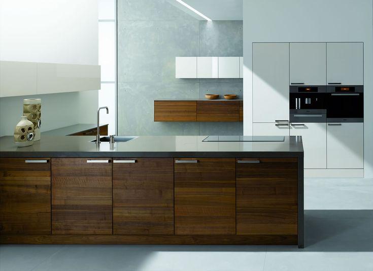 Moderne bruine keuken