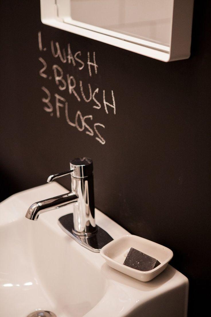 Tadelakt bathroom made by amel kadic - Liz S Playful Chicago Retreat