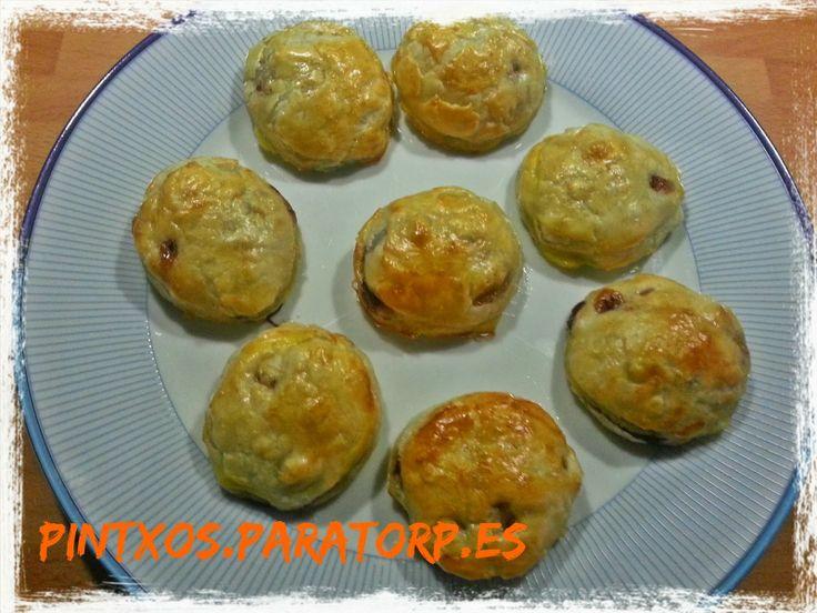 PINTXOS PARA TORPES.  Pintxo dulce de hojaldre de manzana y chocolate