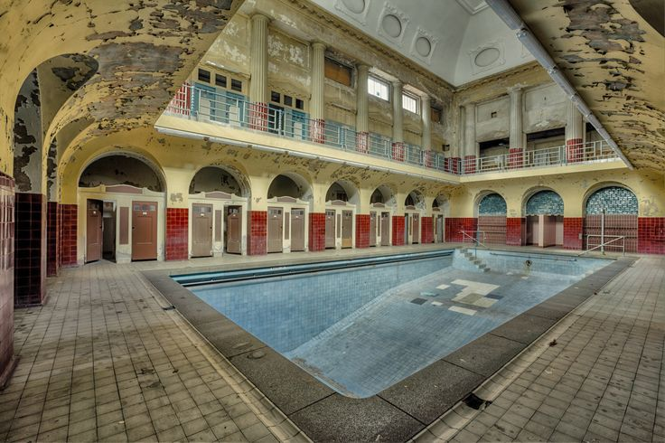 Abandoned bathhouse. Leipzig, Germany. Submitted by: Christian Richter. Germany.                                                                                                                                                                                 Mehr