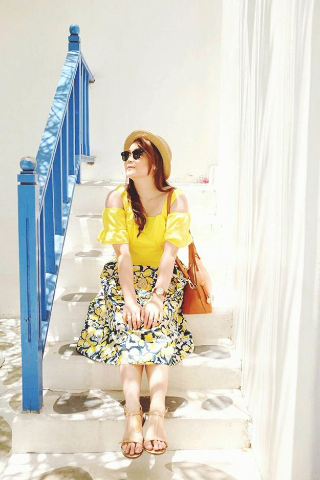 an Indonesian Fashion blogger who blogs about fashion, food, and travels