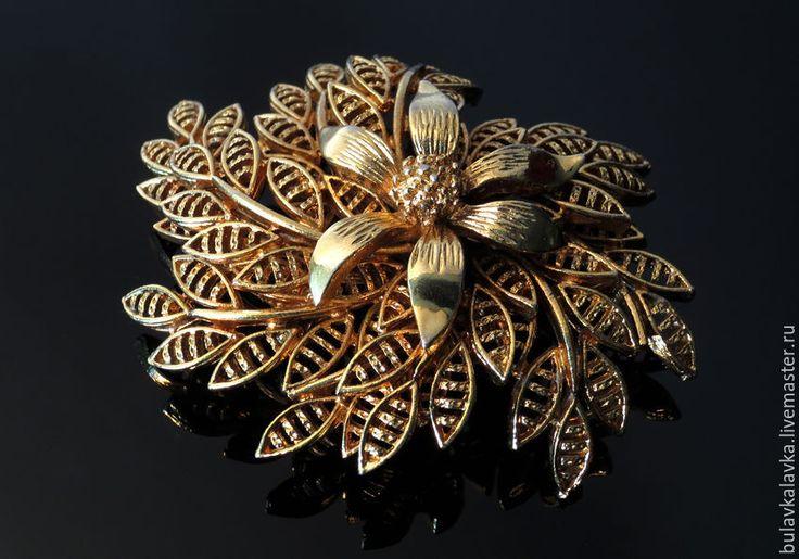 Купить Corocraft Винтажная брошь Золотой цветок, Винтажная брошь Coro - винтажные украшения