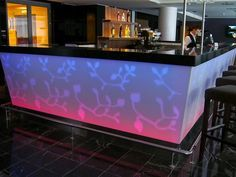 Фото барная стойка для кафе со столешницей из искусственного камня