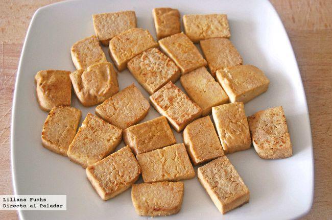 Receta de tofu firme salteado. Cómo preparar el tofu para que quede crujiente y emplearlo en otras recetas. Con fotografías paso paso. Recetas...