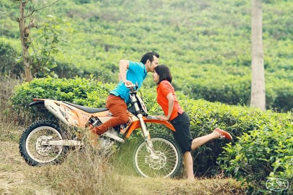 We pack prewedding in nature with trail bike properties make this moment very energetic.. Info: 0896-6717-7776 / 0813-9219-8008