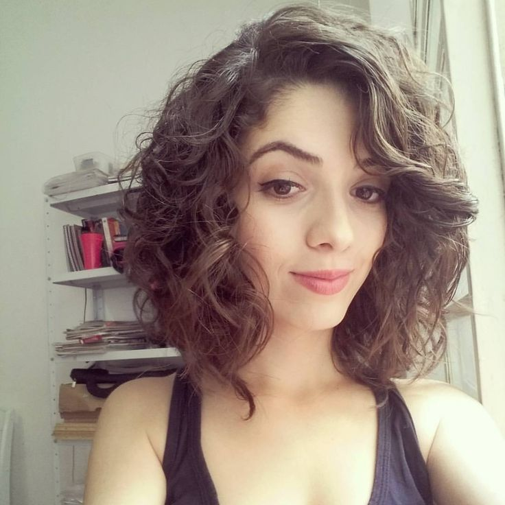Quick morning hairstyles for curly hair : Best medium curly haircuts ideas on