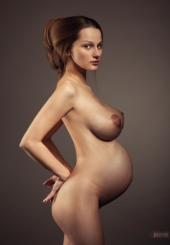 nide pics of pregnant woman