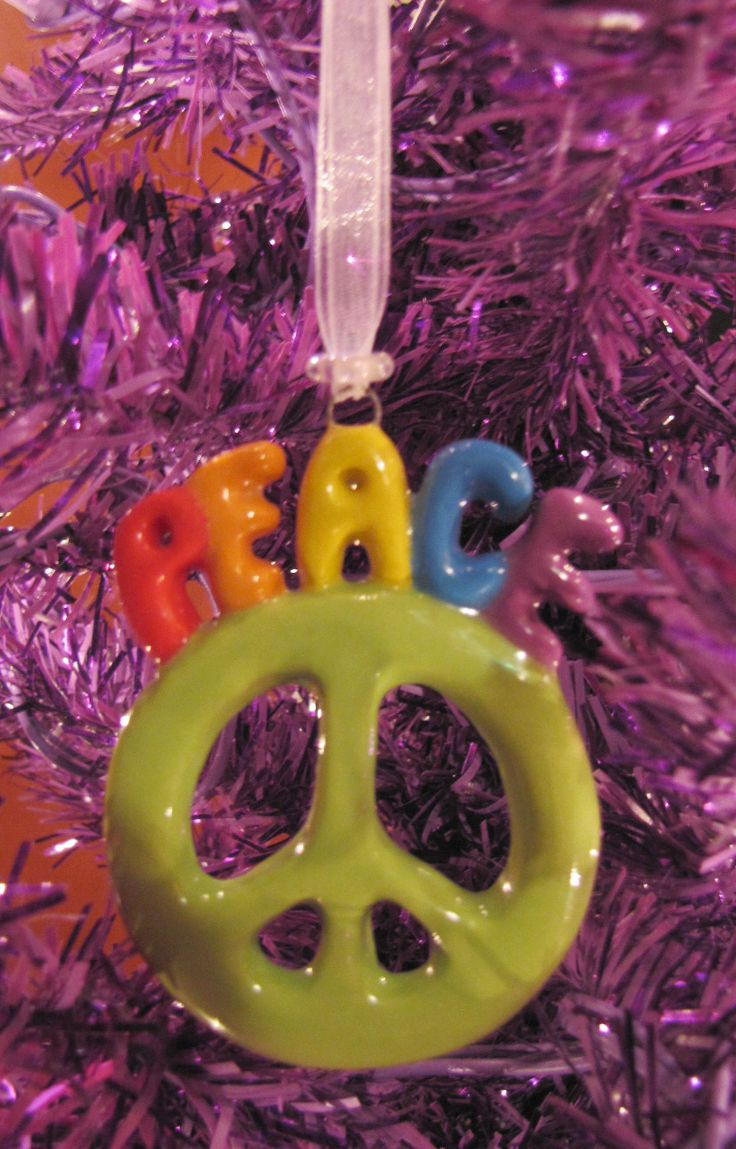 Peace Ornament I didn't make many of these but I love it!! http://claybuttons.com/Ornaments.html