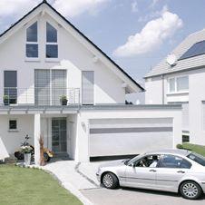 garage mit automatischem rolltor haus in 2019 garage. Black Bedroom Furniture Sets. Home Design Ideas