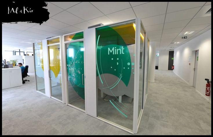 Vitrophanie color e sur cloisons vitr es bureaux neopost for Cloisons interieures vitrees