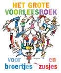 Het grote voorleesboek voor broertjes en zusjes | verhalenbundel van meerdere schrijvers | Leopold 2012, 144 pagina's | Als je er een broertje of een zusje bij krijgt, gebeurt er van alles: helpen met de baby, de kraamvisite vermaken (en af en toe een beetje jaloers zijn op al die aandacht).  Maar later kun je samen zandkastelen bouwen, ruziemaken en nog veel meer! | http://www.bol.com/nl/p/het-grote-voorleesboek-voor-broertjes-en-zusjes/9200000006516924/