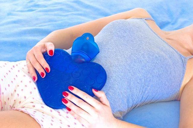 Dalla Naturopatia, tutti ii rimedi naturali contro i dolori mestruali e la sindrome premestruale.