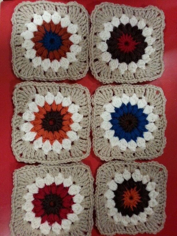 Sunburst Granny Square pattern - Isoäidin neliöitä