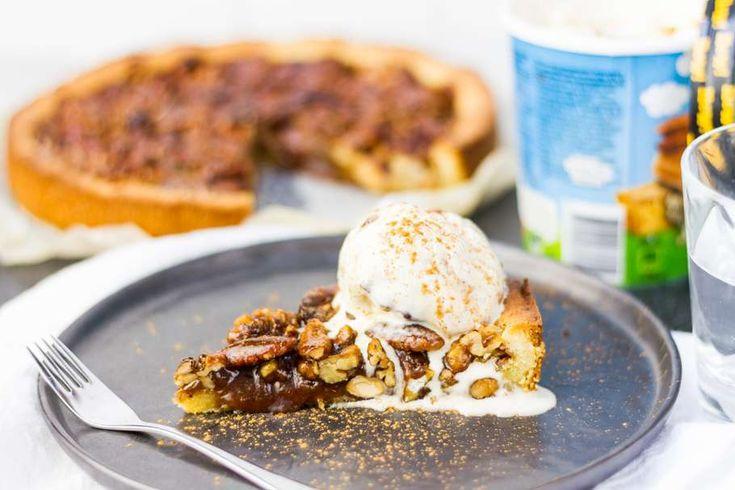 Weer een lekker recept uit de Koken met Aanbiedingen app: caramel-notentaart met ijs. Heb jij de app al gedownload op je smartphone?