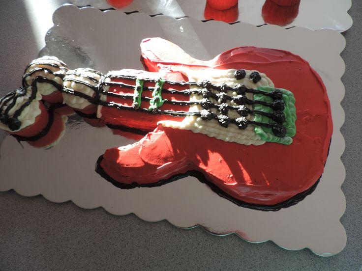 3a22ad014384c80eb600426e02bdf406--guitar