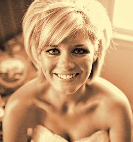 Fabulous Golden Blonde Bob Wedding Hairstyle