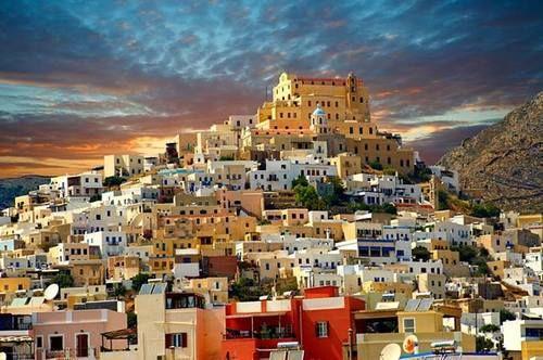 worldwidegreeks:  Beautiful Syros island