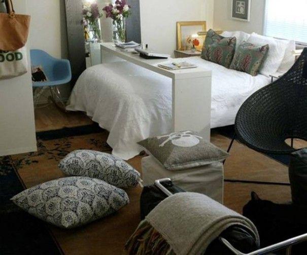 Para quem não tem muito espaço e quer um apoio na cama, olha que idéia bacana! Aqui o uso é como escritório, mas também imaginei servir um café da manhã bem caprichado – e mais estável que as tradicionais bandejas de cama, convenhamos. Fotos: Reprodução Postado por: Michelle MariottoÂ