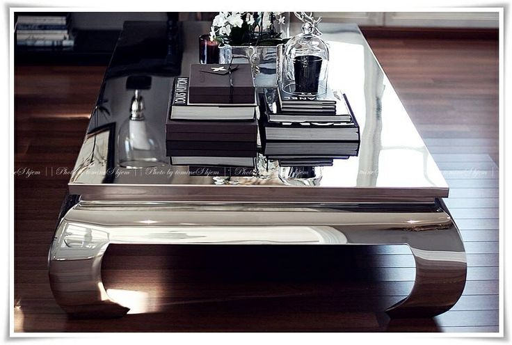 Glam coffee table from tm design
