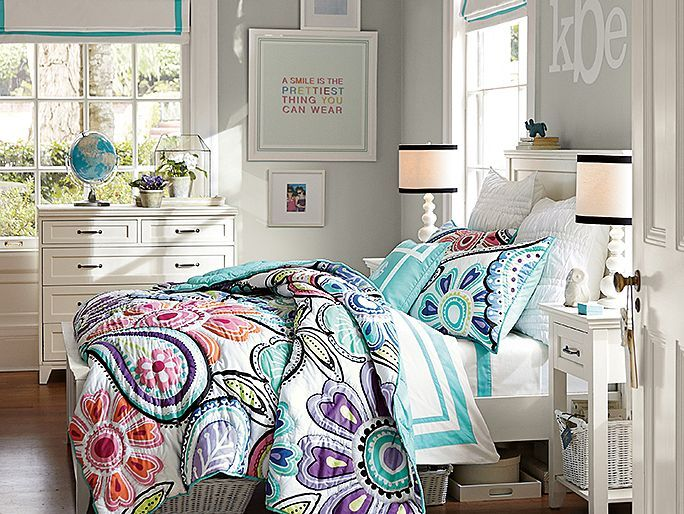 Hampton Kennedy Paisley Bedroom // love the bold print!