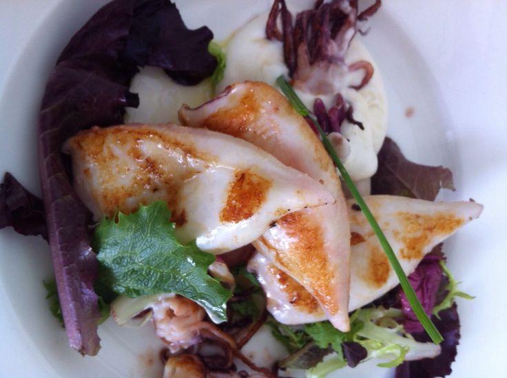 Si quieres disfrutar del mar en #Cáceres ¡Ven a probar nuestra #tapa de chipirones a la plancha! #restaurante