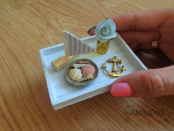 Miniature Handmade Dollhouse Seaside Decorations Size is 7,5 cm x 5 cm long