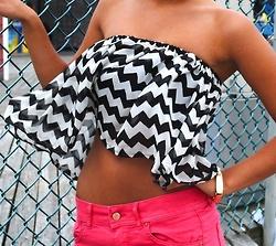 : Pink Shorts, Cute Tops, Dreams Closet, Crop Tops, Tube Tops, Summer Outfits, Black White, Chevron Tops, Summer Tops