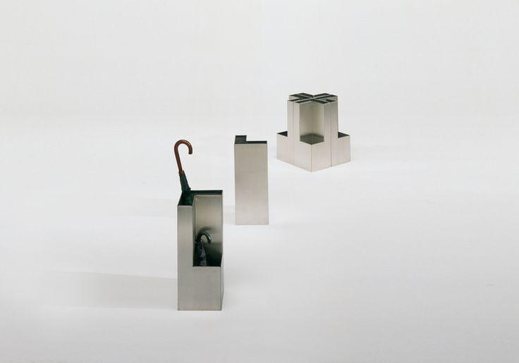 Paragüero Plec | BD Barcelona Design  25x25x61H.cm  Año: 1997
