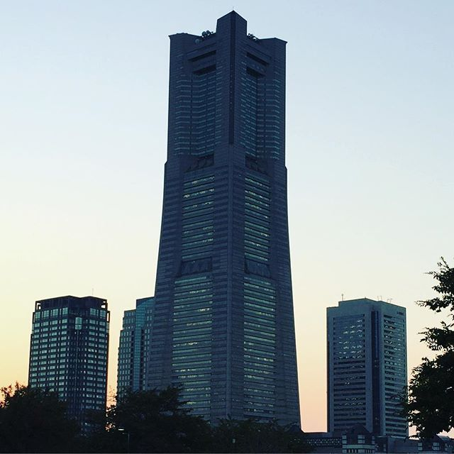 【uchiagaru】さんのInstagramをピンしています。 《Landmark Tower in Yokohama  blogi-Japanista.blogspot.com  #japan #sightseeing #trip #matkailu #matkustaminen #japani #japanilainen #japonais #japon #tourisme #turismo #suomi #architecture #arkkitehtuuri #matka #日本 #旅游 #旅遊 #日本旅游 #日本旅遊 #yokohama #tower #bâtiment #edificio #turismo #mar #海》