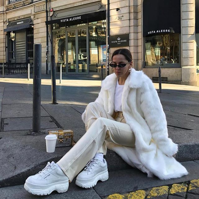 Sneakers fashion outfits, Insta fashion