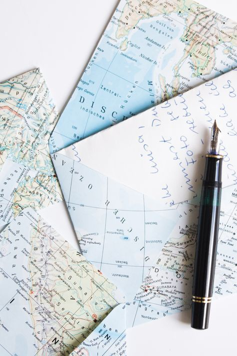 die 25 besten ideen zu landkarten auf pinterest wandbilder weltkarte wallpaper und karten tapete. Black Bedroom Furniture Sets. Home Design Ideas