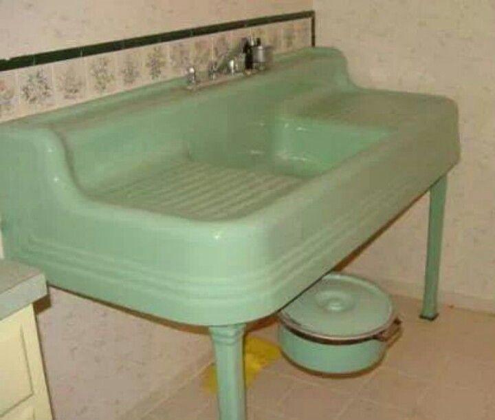 751 best Vintage and antique images on Pinterest | Kitchens, Antique ...