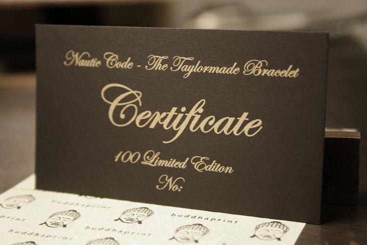 Klasszikus elegancia: fekete és arany névjegykártyák