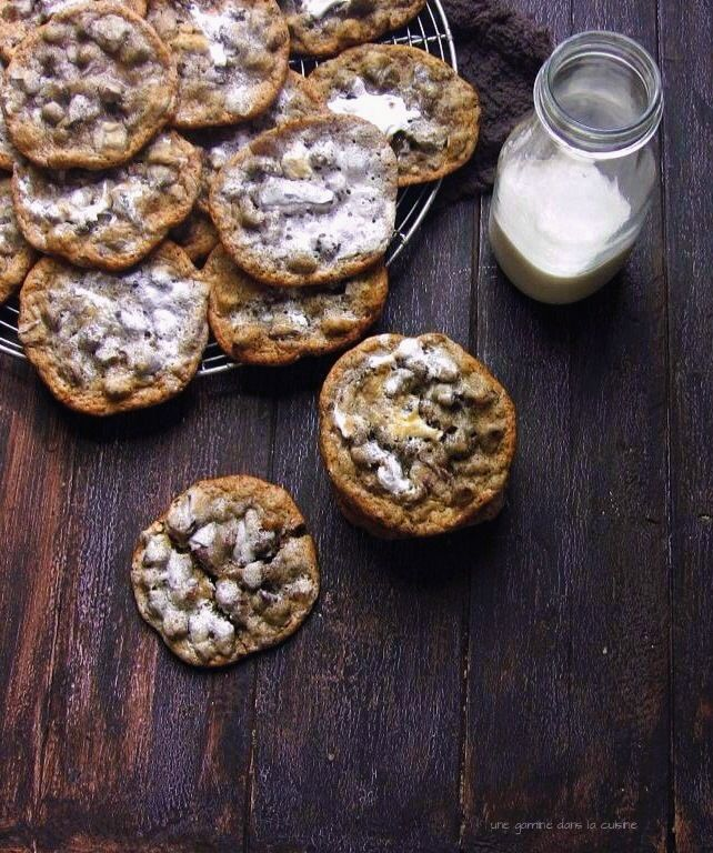 honey marshmallow crème swirl dark chocolate chunk cookies | une gamine dans la cuisine