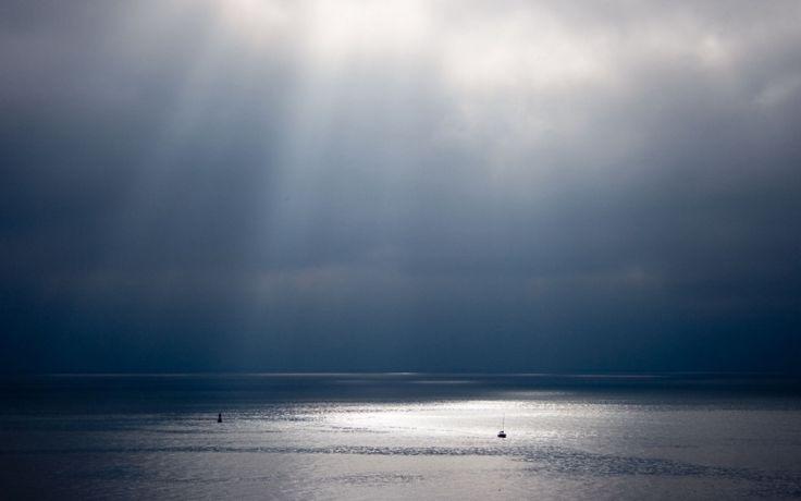 Знаешь, настоящее море я видела только тогда, когда рука об руку мы стояли на краю скалы. Я в тот вечер влюбилась #море #виды #любовь #чувства