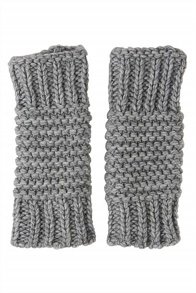Cable Knit arm warmers from @WITCHERY Fashion at @Kay Beaver New Zealand #vintageknitaccessories