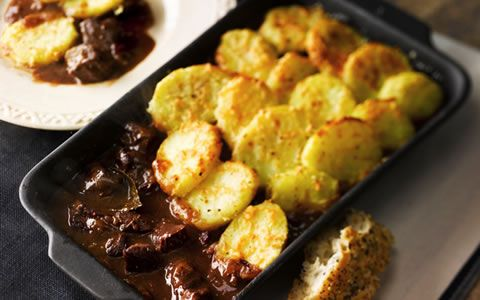 Beef Casserole with Sliced Potato Topping