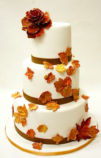 25 best ideas about pretty wedding cakes on pinterest for Autumn cake decoration