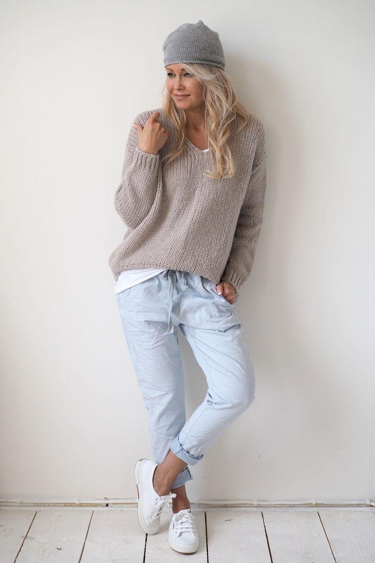 Perfect Jeans JOGGER, LIGHT BLUE