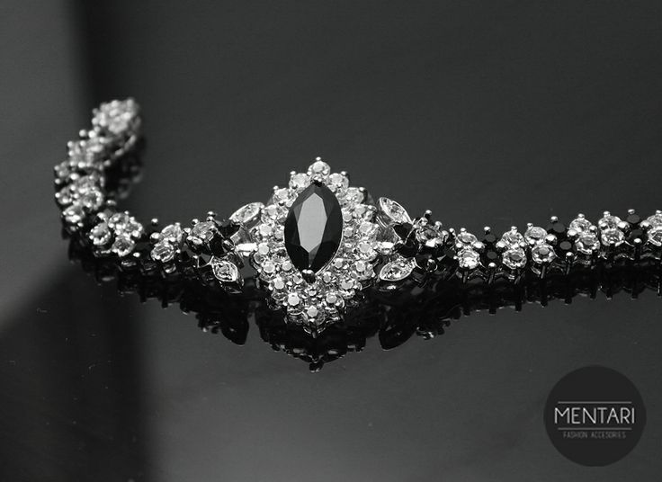 Gelang Berlian Hitam