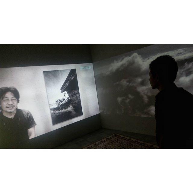 WEBSTA @ jakaanindita - Mas Pin dan John Suryaatmadja #RumahMaen #calibre #gallery #johnsuryaatmadja #jakartabanget #exhibition #photographer #love