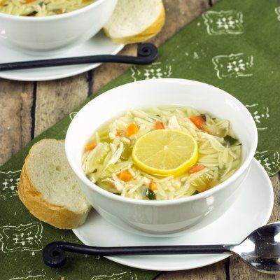 Cooking on the Front Burner: Lemon Chicken Orzo Soup...thanks Panera, but now I can make this at home!